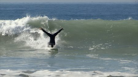 surf-headstand-documentaire
